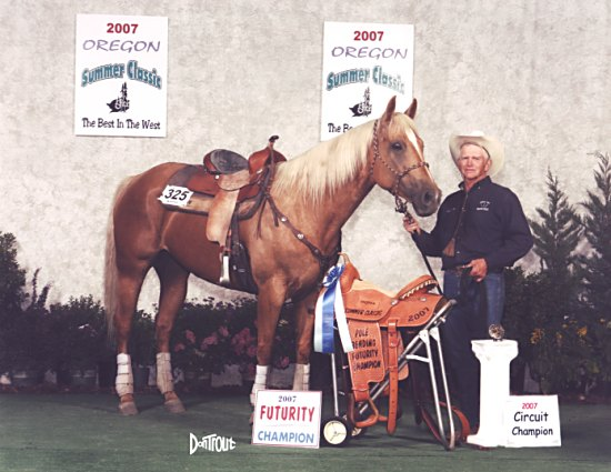Sandy in the championship photo at Central Point, Oregon in 2007